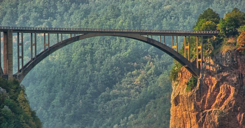 Ponte sul fiume Tara