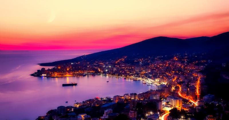 Panorama città Saranda in Albania